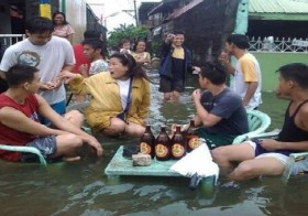 8 Hilarious, Bizarre, And Ingenious Things Filipinos Have Come Up With To Handle Flood Season!